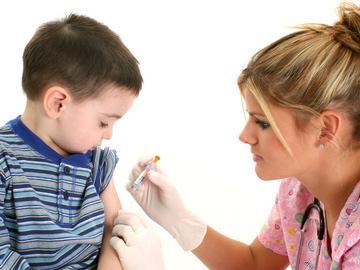 Meningite: i sintomi  e i vaccini adatti ai bambini più piccoli