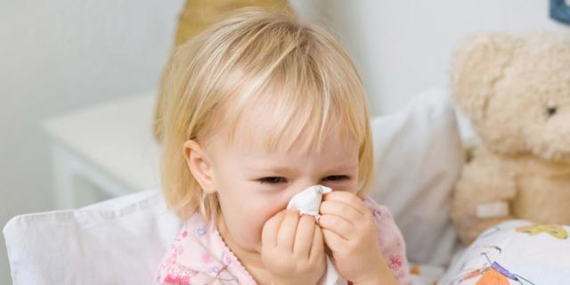 L'influenza nei bambini: i sintomi e le cure