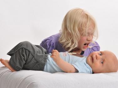 Gelosia tra fratelli: quando a scatenarla è l'arrivo di un neonato