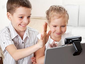 Bambini on line: i consigli dei pediatri