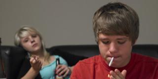 Giovani e droghe: i ragazzi vogliono provare lo sballo