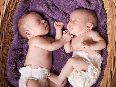 Perché i gemelli nascono in anticipo?