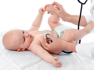 Visita dal pediatra del bebè – quinto mese