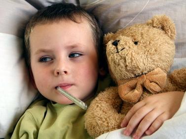 Raffreddore nei bambini: si cura e si previene con una corretta igiene del naso