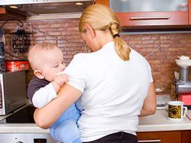 Lasciare il lavoro per i figli spesso è un'esigenza