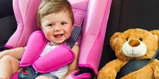 Bambini in auto: i consigli per muoversi in tutta tranquillità