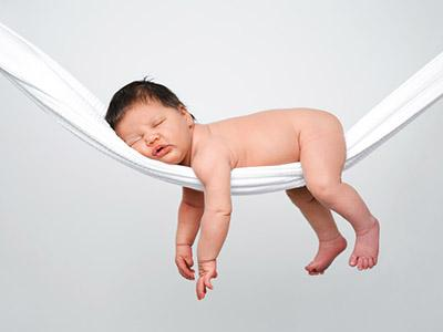 Il bebè ha problemi di sonno? Aiutalo con l'omeopatia
