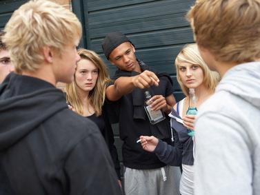Alcol: danni cerebrali per gli adolescenti che ne consumano troppo