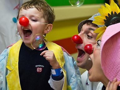 Campionesse della pallavolo per i bambini in ospedale