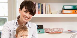 Maternità e lavoro: 3 mamme su 4 non ci rinunciano