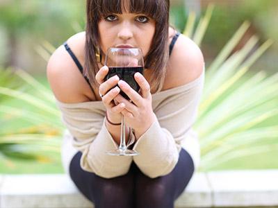 Alcol tra gli adolescenti: si diffonde la drunkoressia