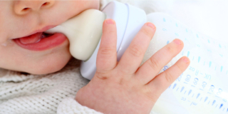 Attenzione alla vendita di latte materno su internet!