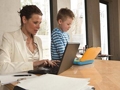 Coworking: a Milano un ufficio per le mamme lavoratrici