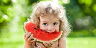 Allergie alimentari nei bambini: spesso dipendono dai pollini!