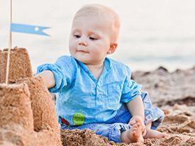 Bambini in spiaggia: ecco come non correre rischi