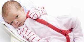 Il peso del neonato va controllato con la bilancia ogni settimana