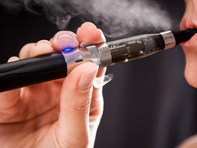 Sigarette elettroniche: vietate a scuola