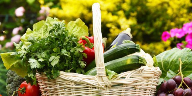 Vincere l'afa senza appesantirsi con la dieta anticaldo