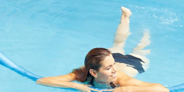 la ginnastica in gravidanza da fare al mare o in piscina