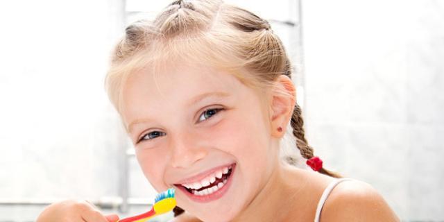 Bambini e igiene orale: 1 su 5 ha già problemi ai denti e carie prima dei 6 anni