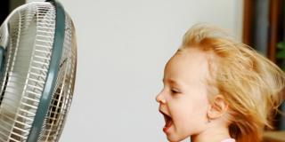 Raffreddore: al bambino può venire anche in estate