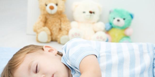 Se i bambini russano nel sonno spesso è colpa delle adenoidi