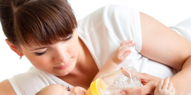 Disidratazione neonato: i consigli per evitare pericoli