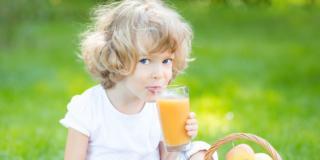 La frutta per i bambini: c'è anche quella da bere