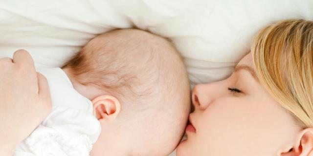 """Allattamento al seno: funzionano davvero i rimedi """"della nonna""""?"""