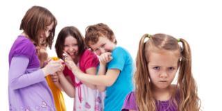 È allarme bullismo e il fenomeno cresce tra le ragazzine