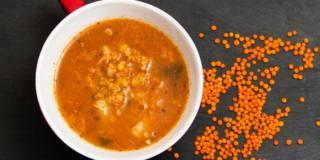 Minestra di lenticchie rosse