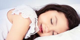 Problemi del respiro nel sonno: molti i bimbi colpiti