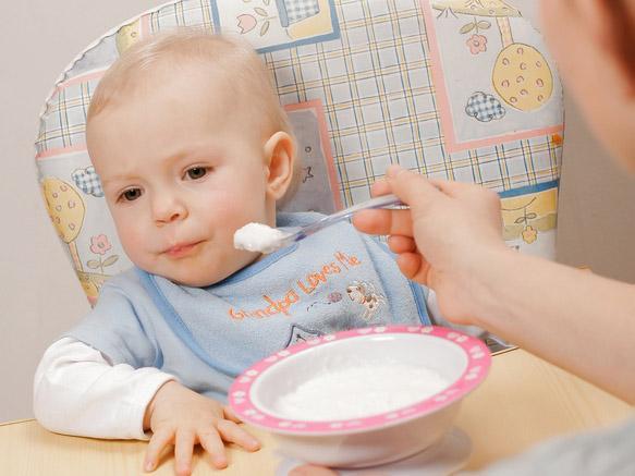 bambino 14 mesi alimentazione