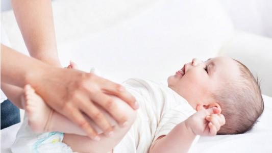 È normale la stitichezza nel neonato?
