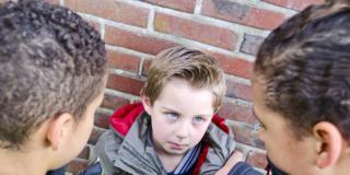 I bimbi vittime di bullismo possono avere disturbi fisici
