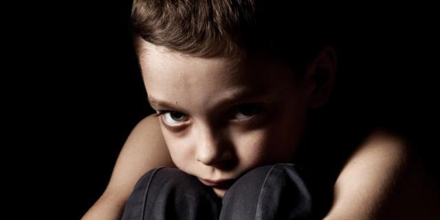 Urlare contro i figli adolescenti li espone a depressione