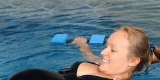 Attenzione al nuoto in gravidanza: rischio asma per i bambini?
