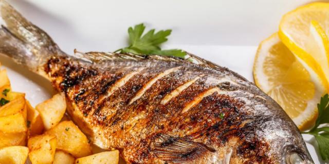 Mangiare pesce fa prendere voti migliori a scuola