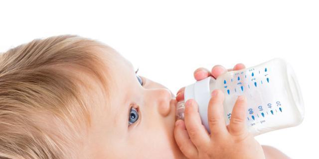 Quale latte per il bebè se c'è un'intolleranza al lattosio?