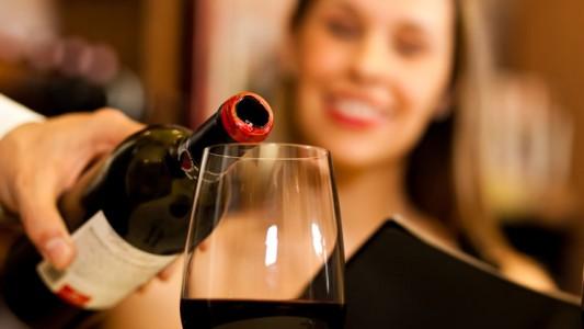 Niente alcol: fertilità a rischio con 3 bicchieri di vino alla settimana
