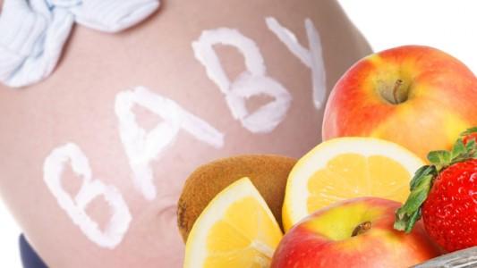 Tanta frutta per una gravidanza senza rischi