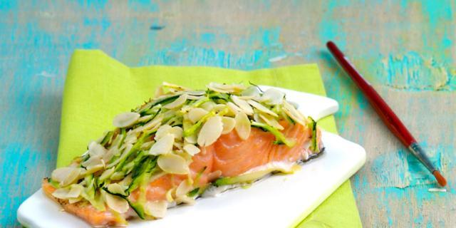 Ricetta Salmone Neonato.Salmone Norvegese In Crosta Di Zucchine Bimbisaniebelli It