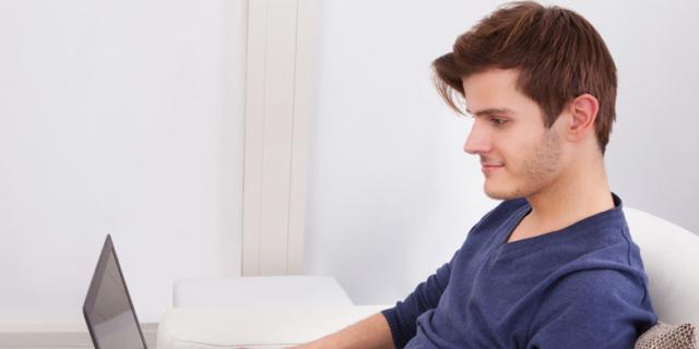Sesso: i giovani lo imparano su internet
