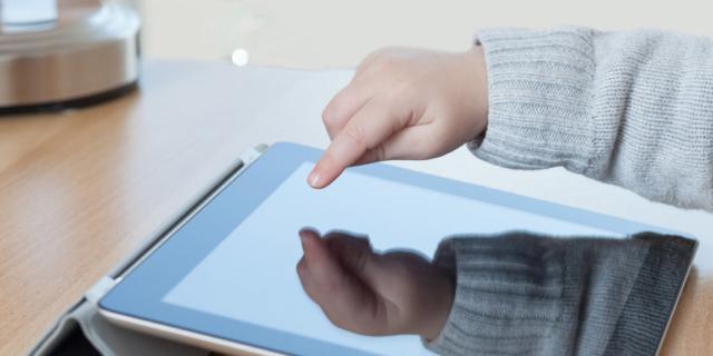 I bambini non sono più capaci di scrivere per colpa dei tablet?
