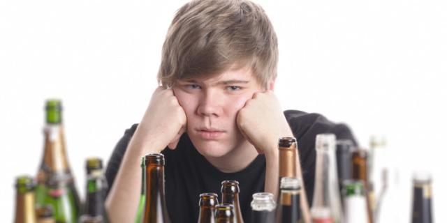 Allarme binge drinking tra i giovani