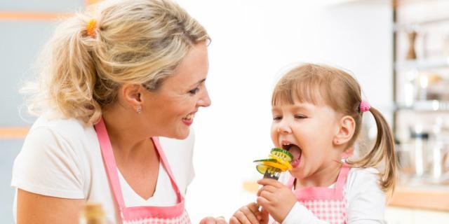 Alimentazione: i nostri bambini mangiano davvero male?
