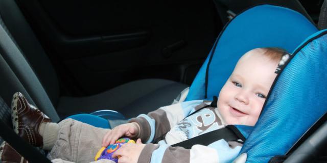 Un nuovo dispositivo per non dimenticare i bambini in auto