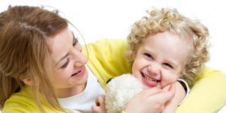Donna, se mamma è più felice, ma meno soddisfatta della vita di coppia