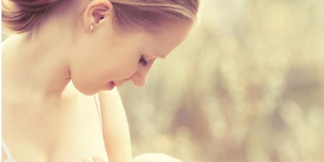 L'allattamento al seno rende i bimbi più intelligenti?