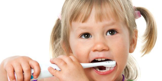 Carie nei bambini: il fluoro può aiutare